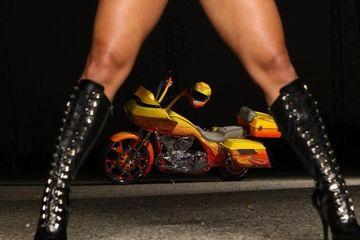 SEXY BIKINI & LINGERIE Girls on HARLEY DAVIDSON MOTORCYCLES Photoshoot.