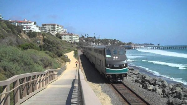 Metrolink - Visit Oceanside