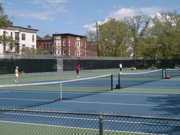 Spring Season is here – It's time to hit the Tennis Courts!