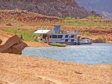 Houseboat camping trips in arizona arizona camping trips for Fishing spots in arizona