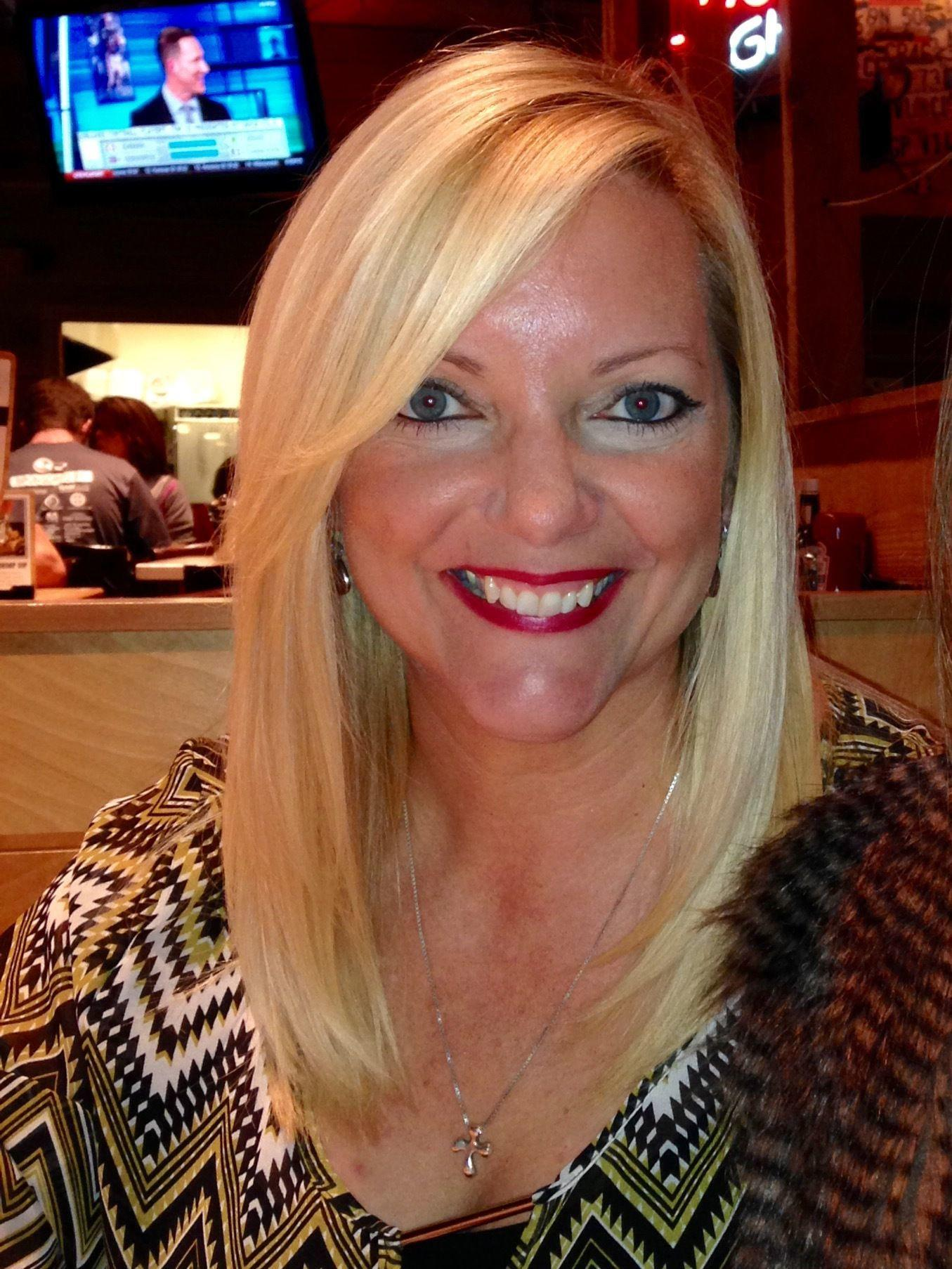 nashville dating over 40 Feature, but our intelligent matchmaking streamlines the nashville dating  experience  find a great match: learn about christian dating, dating for the over  30s,.
